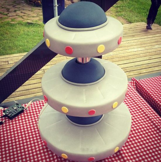Solid Cake Stand
